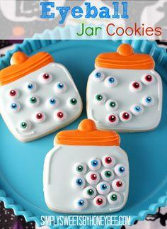 Eyeball Jar Cookies | simplysweetsbyhoneybee.com | Learn how to make these fun cookies.