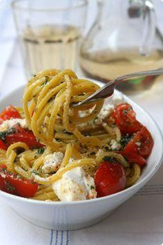 tonnarelli con erbe, pomodorini e ricotta- tonnarelli (handmade spaghetti) with cherry tomatos and ricotta cheese