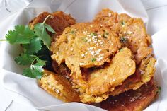 Vegetable pakoras are delicious, tasty and a great starter to any Indian dinner party.