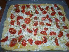 """Ντοματένια """"πλατσίντα"""" με τυρί φέτα Pepperoni, Feta, Pizza"""