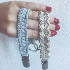 """274 likerklikk, 15 kommentarer – @mormorshaekleliv på Instagram: """"Et par nye suttekæder😊 #hækle #hæklet #hækling #crochet #virkning #suttesnor #suttekæde #baby…"""""""
