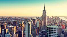 """O passeio de hoje é para os fãs de filmes e séries de TV que acontecem em Nova York. E, claro, não faltam candidatos: Esqueceram de Mim, Eu Sou a Lenda, Friends, Sex and The City, Glee, Late Show, Jimmy Fallon, O Poderoso Chefão, Encantada e muito, muito mais em locações como Central Park, Times Square, Brooklyn e por aí vai junto com um especialista em Nova York que é o Jayme Ribeiro do canal """"A Grande Maçã"""". Se você curtiu e quer reservar este tour também para a sua próxima viagem para a…"""
