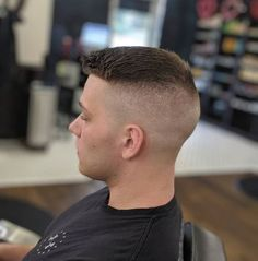 Mens Hairstyles With Beard, Cool Hairstyles For Men, Vintage Hairstyles, Great Haircuts, Haircuts For Men, Men's Haircuts, Military Haircuts Men, Military Hairstyles, Short Hair Cuts