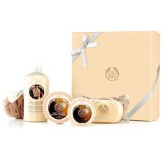Pick the perfect gift with this fabulous box set that contains a selection of nutty shea scented goodies. With Community Fair Trade shea butter from Ghana. Shea Shower Cream 250ml Shea Body Butter 50ml Shea Body Scrub 50ml Shea Soap 100g Cream Mini Bath Lily