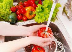 Cuida tu salud y la de tu familia con estos sencillos consejos de cómo debes lavar y desinfectar los alimentos correctamente.
