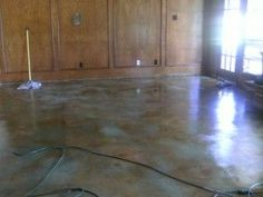 Stained Concrete Floors: Easy Upgrade | thefixchicks.com