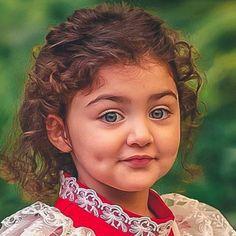 The World Cutest Baby - Anahita Hashemzadeh - My Baby Smiles Cute Baby Girl Photos, Cute Baby Twins, Cute Little Baby Girl, Baby Boy Pictures, Cute Girl Photo, Cute Girls, Adorable Babies, World's Cutest Baby, Cute Baby Girl Wallpaper