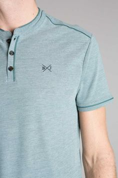 Polo homme manches courtes brodé Mens Polo T Shirts, Mens Tees, Polo Shirt Design, Polo Shirt Style, Mens Activewear, Shirt Designs, Men Casual, Menswear, E Commerce