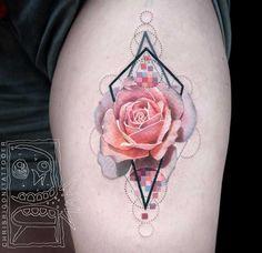 Você precisa conhecer esse tatuador. Chris Rigoni mora em Perth, na Austrália e é um baita artista. Ele usa uma mistura inteligente de técnicas, especialmente de tinta preta e cores vibrantes, com …