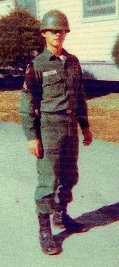 Virtual Vietnam Veterans Wall of Faces | MICHAEL A HOGLUND | ARMY