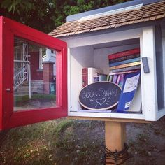 Out for a walk on a nice Monday evening and found this #LittleFreeLibrary! So pretty! And sharing the book love!