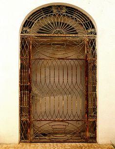begur.   Κάγκελα Ασφαλείας για πόρτες και παράθυρα από την Cancelletto http://www.cancelletto.gr