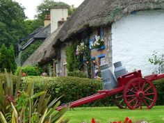 Continuing my series on architectural tours with Traditional Indian, Chic French, Spanish Style. and this time, I've some of the prettiest Irish thatched roof cottages for you. Adare Ireland, Irish Cottage, Ireland Homes, Thatched Roof, Irish Traditions, Cottage Interiors, Spanish Style, Flower Boxes, Craft Activities