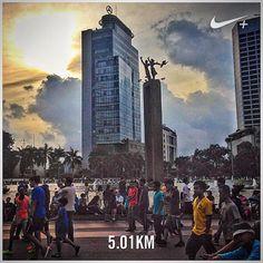 After more than 2 weeks break. Let's start again. A slow 5K for today. #nikeplus #myrun #running #run #morningrun #goodmorning #instarunner #bunderanHI #jakarta #menteng #indonesia #building #people #carfreeday #cfd