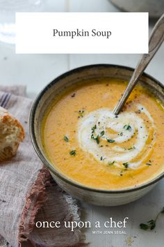 TESTED & PERFECTED RECIPE - Flavored with leeks, apples, maple syrup and spices, this pumpkin soup is the essence of fall. Pumpkin Soup, Canned Pumpkin, Gourmet Recipes, Soup Recipes, Healthy Recipes, Party Entrees, Leek Soup, Easy Weeknight Meals, Amigurumi