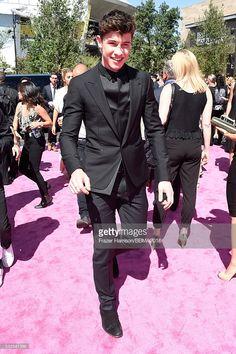 Shawn Mendes at 2016 Billboard Music Awards  Suit: Balenciaga