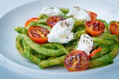 Pici Italian Pasta Red  Roasted Tomato Spinach and Basil Pesto Sauce and Fresh Mozzarella
