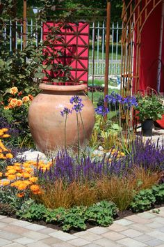 LOROS Hospice Garden Hampton Court Flower Show 2011