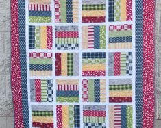 Quilt Blocks Easy, Strip Quilts, Easy Quilts, Cute Quilts, Scrappy Quilts, Applique Designs, Quilting Designs, Patchwork Quilt Patterns, Pattern Fabric