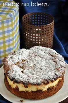 kruche ciasto zbrzoskwiniami Polish Recipes, Food Cakes, Tiramisu, Cake Recipes, Sweet Tooth, Cheesecake, Food And Drink, Menu, Pie