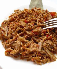 Cómo hacer carne mechada venezolana. La carne mechada es uno de los rellenos de arepas predilecto de los venezolanos, una opción deliciosa que también protagoniza el rico pabellón, el plato nacional por excelencia. Esta alternativa, si b...