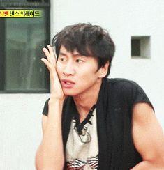 gif - gwangsoo trying to be joon from MBLAQ on runningman idol special ! LMFAO