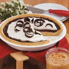 Chocolate Peanut Butter Pie  ~~  a Healthy, Quick & Diabetic Friendly Recipe Diet Desserts, Sugar Free Desserts, Sugar Free Recipes, Pie Recipes, Healthy Desserts, Dessert Recipes, Sweet Recipes, Delicious Desserts, Yummy Recipes