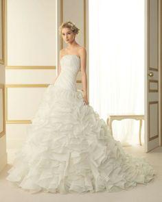 190 TURIN / Wedding Dresses / 2013 Collection / Luna Novias