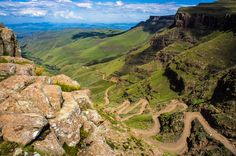 Sani Pass is a mountain pass located in the West of KwaZulu-Natal, South Africa on the road between Underberg, KwaZulu-Natal and Mokhotlong, Lesotho. Location Camping Car, Provinces Of South Africa, Visit South Africa, Dangerous Roads, Himalaya, Mountain Pass, Mountain Biking, Excursion, Am Meer