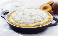 Peaches and Cream Pie is a no-bake dessert made with a shortbread cookie crust, sweet peach filling, a cream cheese layer, and topped with whipped topping. Refreshing Desserts, Summer Desserts, No Bake Desserts, Just Desserts, Delicious Desserts, Dessert Salads, Pie Dessert, Peanut Butter Cookie Lasagna, Peach Cream Pies