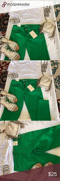🍀☘️😎 Green Skinny stretch pants 🍀☘️😎Green skinny stretch pants . Awesome style low cut , cool casual wear. April Girl Pants Skinny