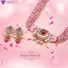 Indulge in Comfy, quirky, luxe designer Jewellery that are widely populated with Rubies, Polkis, Pearls and hues of pink beads. Vaibhav Jewellers now brings you high end celebrity Jewellery pieces to your doorstep. International Shipping Available. Pearl Necklace Designs, Jewelry Design Earrings, Ruby Jewelry, Gold Jewellery Design, Bead Jewellery, Beaded Jewelry Designs, Fashion Jewellery, Indian Jewelry Sets, India Jewelry