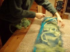 felting tutorial - i use this method to felt backdrops