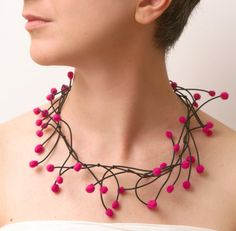 Yianna Georgiadou (from Cyprus) - Anemone necklace - felt