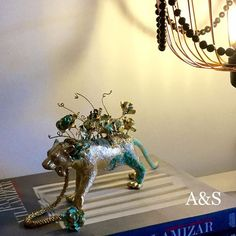 Esta noche los dejamos con el tigre con flores de Animalart diseño sostenible  y juguetes reciclados todo lo encuentras en Ahora y Siempre -miscelánea- #ahoraysiempredesign #animalart #followme #tiger #tigre #tiendadebarrio #tienda #showroom #tienda #concepstore #nuevaspropuestas #amamosloquehacemos #love #homedecor #decor#reciclaje #diseñosostenible #like4like #hechoamano #hechoencolombia#merakiu #merakiudiseño #merakiudecoracion #hechoencolombia
