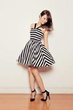 Shop this look on Kaleidoscope (dress, pumps)  http://kalei.do/WusEGz7ZsWUj4I4N