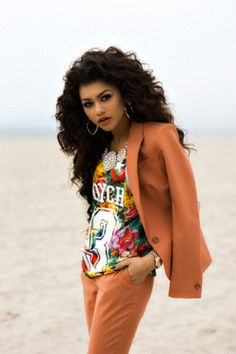 Zendaya's hair <3 Oh My Gosh Her Hair Is So Amazing :D