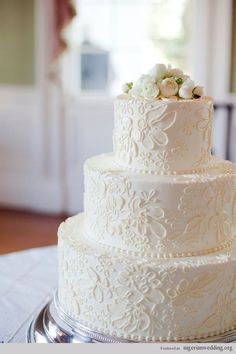 Stunning Vintage Lace Wedding Cake, #weddingcake  #weddingplanning  #vintage