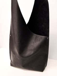 Shoulder Handbag Handmade In Leather - BLACK - beautiful