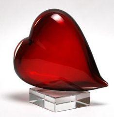 http://www.muranoglassgifts.com/hearts/murano-glass-red-heart-on-crystal-base-P1284.html Murano Glass Red Heart on Crystal Base - Murano Glass - Murano Glass Gifts Co.