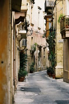 Vittoriosa, Malta Malta wants me dead -by Micki Raymond :-) Sorry, couldn't resist the nod to the movie 'Trenchcoat' with Robert Hays and Margot Kidder. If you haven't seen the movie yet, you must find it and watch it. You'll be thankful you did.