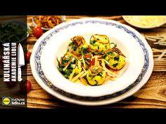 (9) Bramborovo-tvarohové knedlíky s medvědím česnekem - Roman Paulus - Kulinářská Akademie Lidlu - YouTube Lidl, Japchae, Spaghetti, Meat, Chicken, Ethnic Recipes, Roman, Food, Youtube