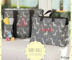 There\'s still time to get the Go Go Giraffe print this month!! Contact me or click the photo for more details! #thirtyone #thirtyonegifts