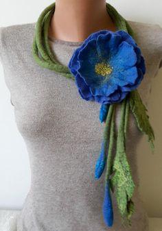 Woman felted green wool lariat with blue flower brooch Nuno felt flower  necklace Wool felted floral brooch Felt flower bouquet Felt jewelry 3ac2534f69