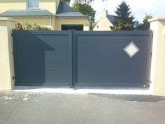Portail aluminium automatique anthracite RAL7016 vantaux inégaux avec losange – Plaintel