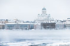 taivasalla.net - Under the Open Sky - December 2012 Helsinki, The Lutheran Cathedral and South Harbour on a cold winter morning (by Niklas Sjöblom)