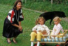 Prinsessan Victoria 1984  Med Drottning Silvia och Prinsessan Madeleine