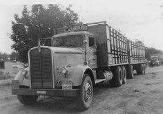 "Sanzberro was a West Coast cattle hauler. Jim Rowe shot this ""back in the day"" Big Rig Trucks, Toy Trucks, Semi Trucks, Farm Trucks, Puerto Rico, Old American Cars, Freight Truck, Custom Big Rigs, Custom Trucks"