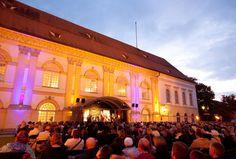Open Air Konzert vor dem Schloss Dachau