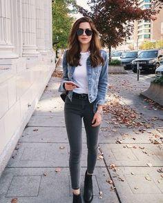 Outfits casuales con tacones y jeans para verte más alta